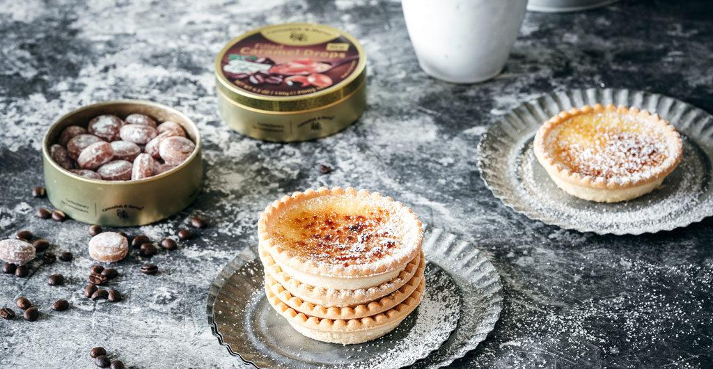 Karamell-Kaffee Tartelettes mit weißer Schokolade